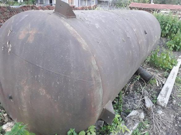 Метална цистерна