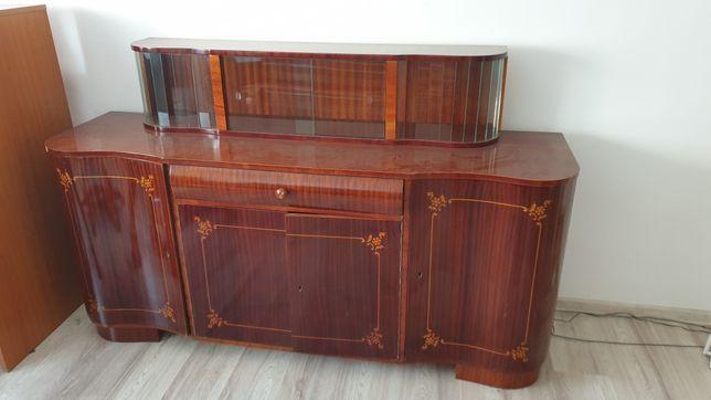 Vand mobilă de sufragerie vintage