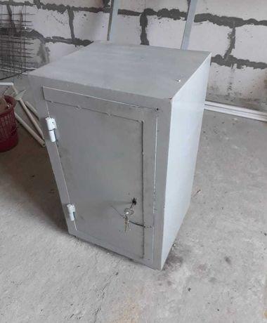 Сейф металлический