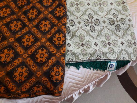 Кувертюри за спалня и плюшени покривки за маса
