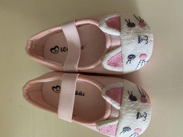 Продам для девочки обувь, размер 20