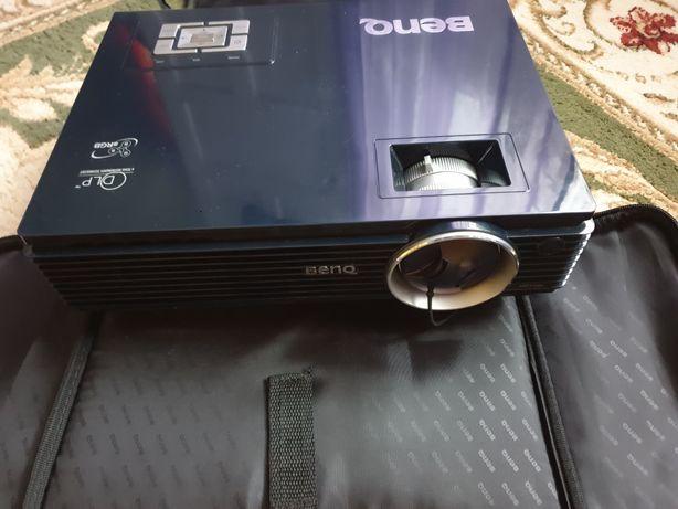 Продам проектор Benq