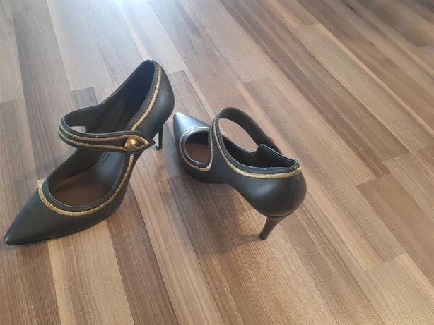 Pantofi piele Guess
