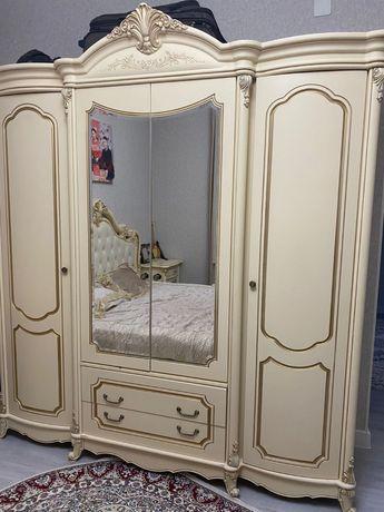 Спальный гарнитур Моно Лиза