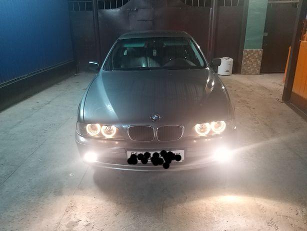 Продается автомашина BMW 525i