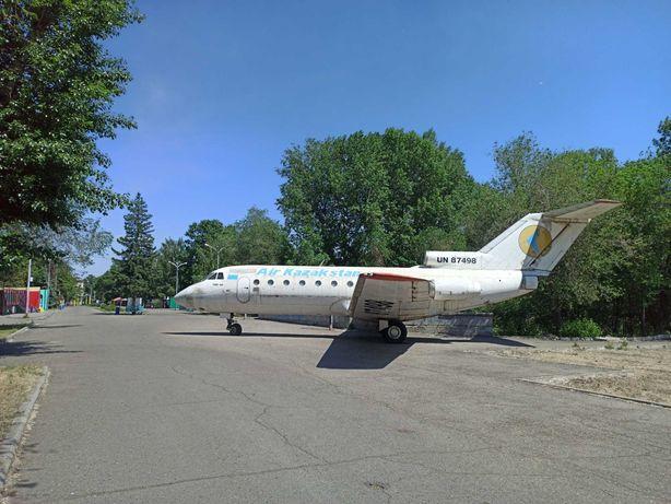 Самолет Як-40 (списанный)