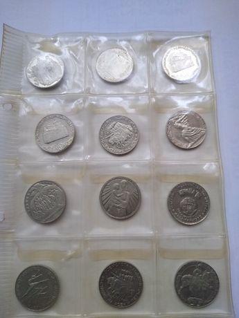Продавам голяма колекция български монети в класьор