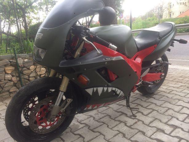 Dezmembrez Yamaha FZR/Thunderace/Thundercat/1000cc (R1)