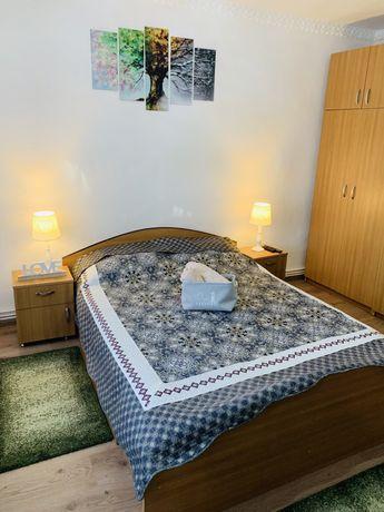 Inchiriez apartament cu o camera zona Cetate regim hotelier