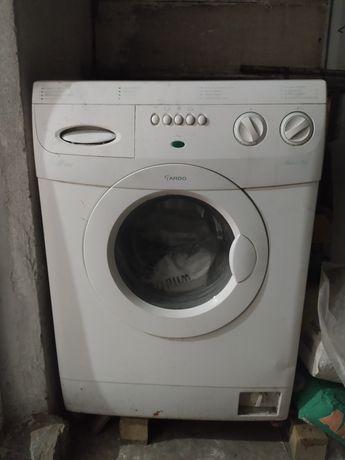 Продам на запчасти стиральная машина
