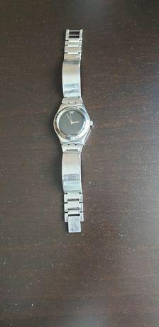Часы швейцарского бренда