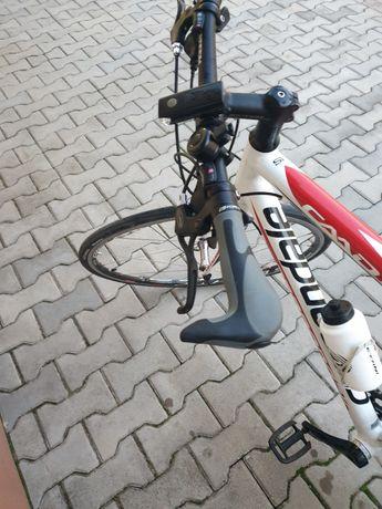 Продавам велосипед Cannondale CAAD 8