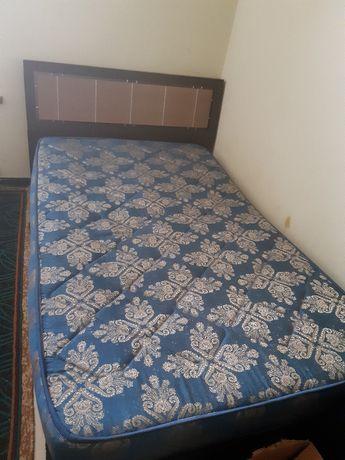 Продам кровать 1,5