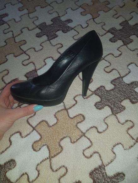 2бр. Елегантни черни дамски обувки, Jenny fairy и сникърси Guess