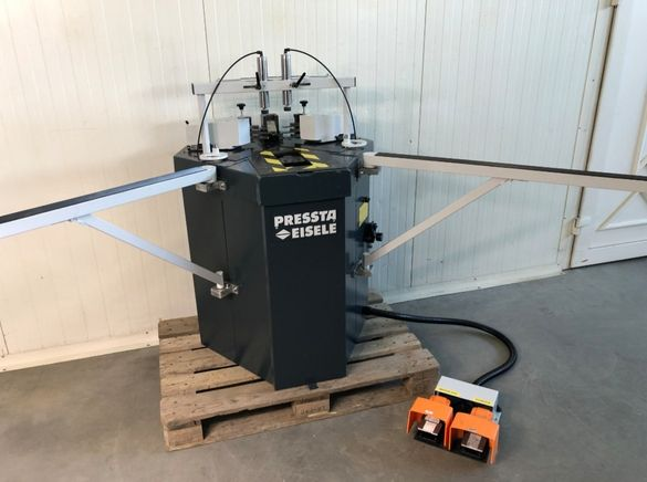 Автоматична ъглонабивна машина Pressta Eisele 2000 за дограма