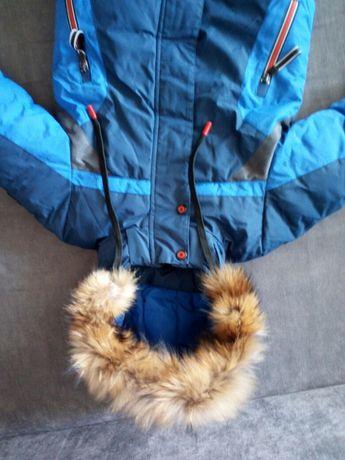 Продам детскую куртку.
