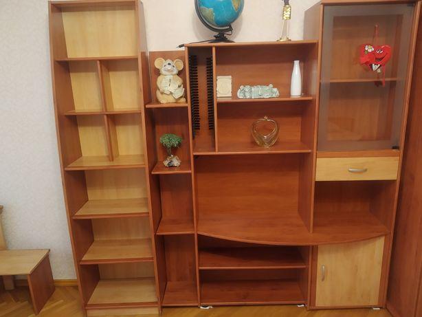 Продам деревянные книжные шкафы