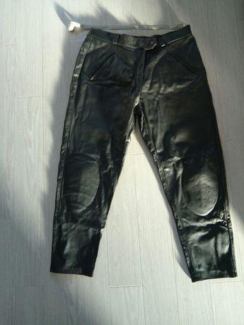 Pantaloni piele moto chopper cu protectii genunchi