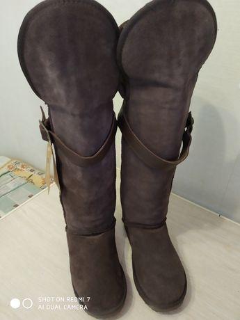 Зииние женские сапоги. Цвет коричневый. размер 38 новые