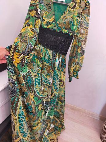 Продам платья размер 44.