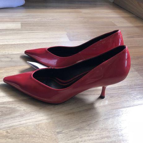 Лачени обувки  Ново