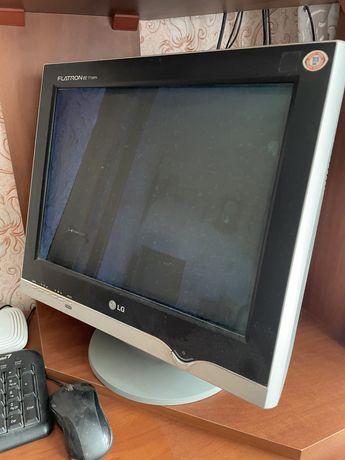 Монитор LG + савбуфер + монитор и клавиатура
