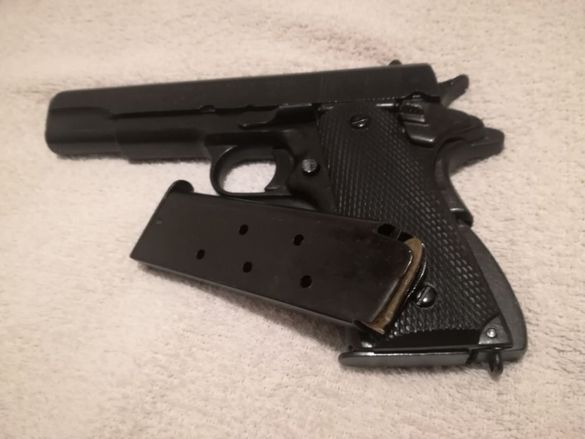 Пистолет Colt, а не револвер / Колт 45 1911. За любители и колекционе