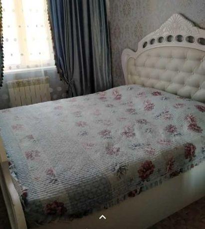 Спальний кровать