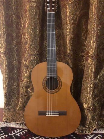 Продается Гитара YAMAHA C40