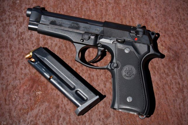 PISTOL-Arma-Airsoft CAL.6.04mm Beretta/TAURUS PT92 Full METAL Co2