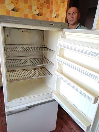 Продаю холодильник по символическую сумму