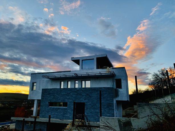 Vand casa exclusivista individuala  piscina , jacuzzi , sauna , cinema