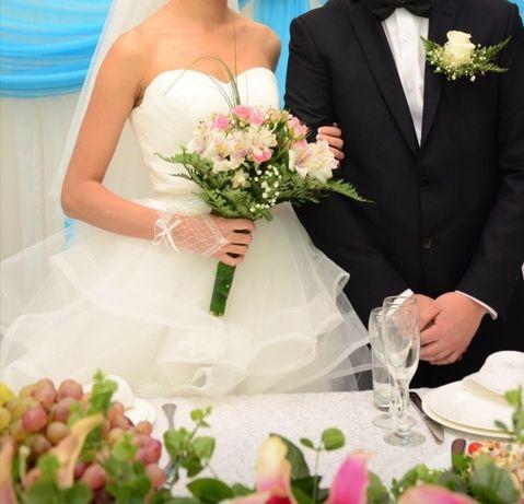 Свадебное платье, шубка, украшения