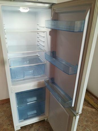 Продам холодильник Бирюса торг