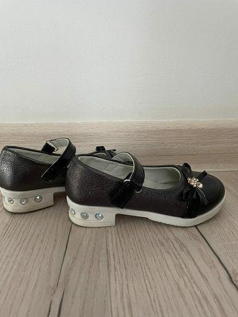 Туфли 27 размер (18см)