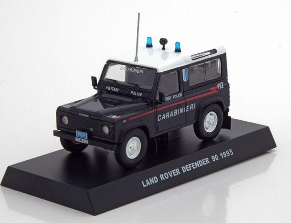 Macheta Land Rover Defender 1996 Carabinieri - IXO/Altaya 1/43
