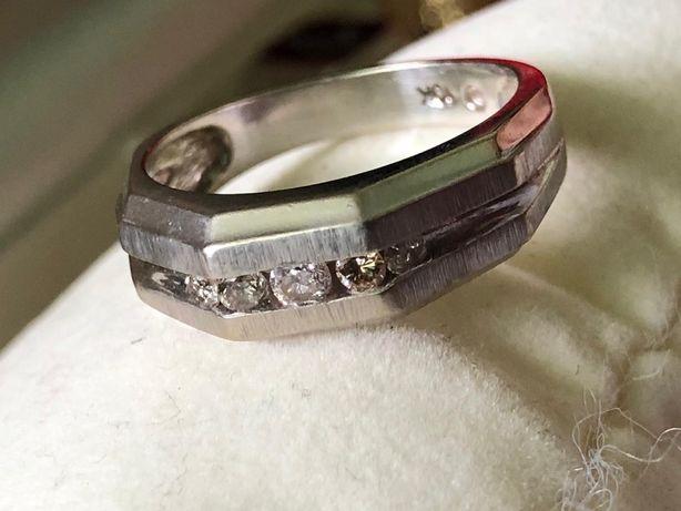 Inel aur alb 10k diamante, model american, slefuit in doua tonuri