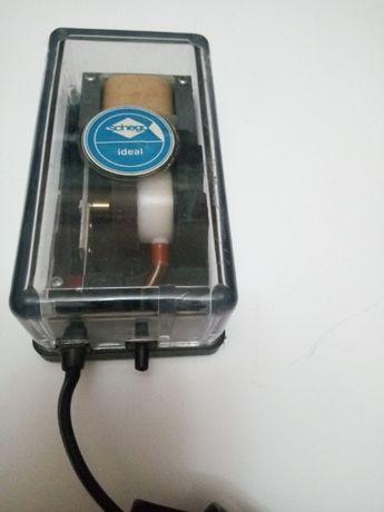 Vând pompa de aier acvarium 150l /h marca Schego Ideal