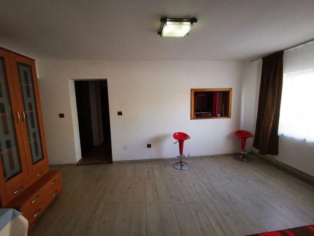 Apartament PROPRIETATE  de vanzare 5 camere COMPLET MOBILAT