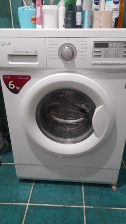 Продам стиральную машину автомат  LG Direct Drive 6kg
