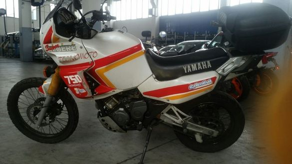 Мотоциклет Яамаха супер Тенере 750 (Yamaha SUPER Tenere 750)-НА Части