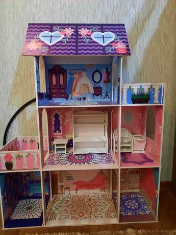 Продам 3-х этажный барби домик в хорошем состоянии