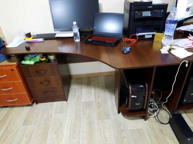 Продам два офисных стола !!!