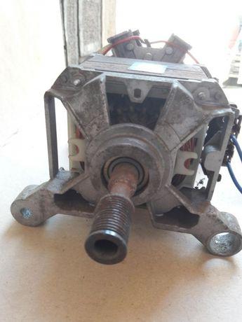 Motor mașină de spălat