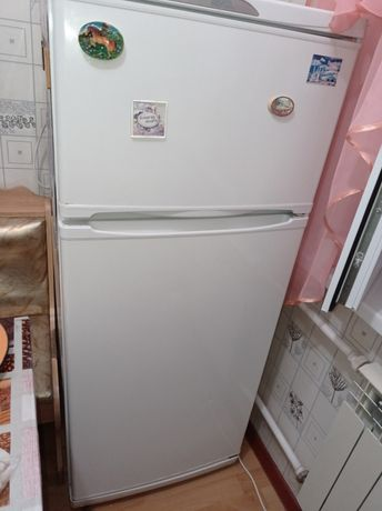 Холодильник.Микроволновая печь.