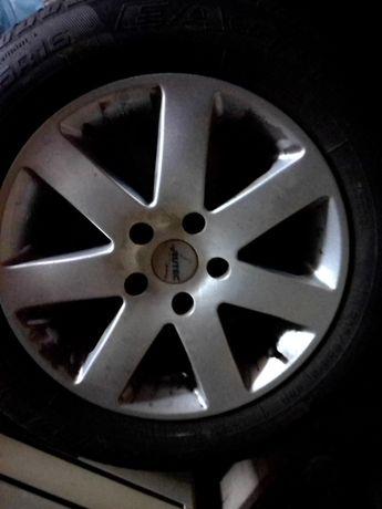 Алуминиеви джанти с гуми 16