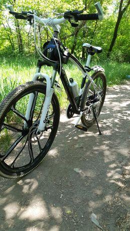 Продам велосипед 50000тгв хорошем состоянии немного маловат для меня