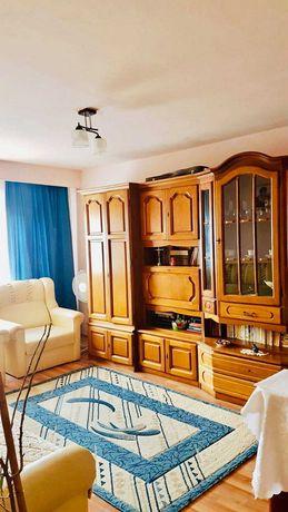 Apartament cu 3 camere in Stadion.