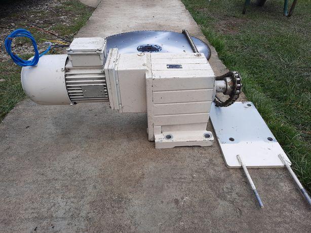 Ansamblu motor cu reductor LENZE 4481 ASTEN