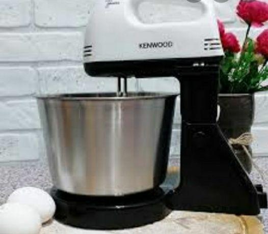Миксер с  металлической чашкой  вертится крутится насадки для теста ес
